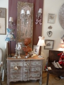 atelier de patines de meubles de style shabby campagne chic rose le gac. Black Bedroom Furniture Sets. Home Design Ideas