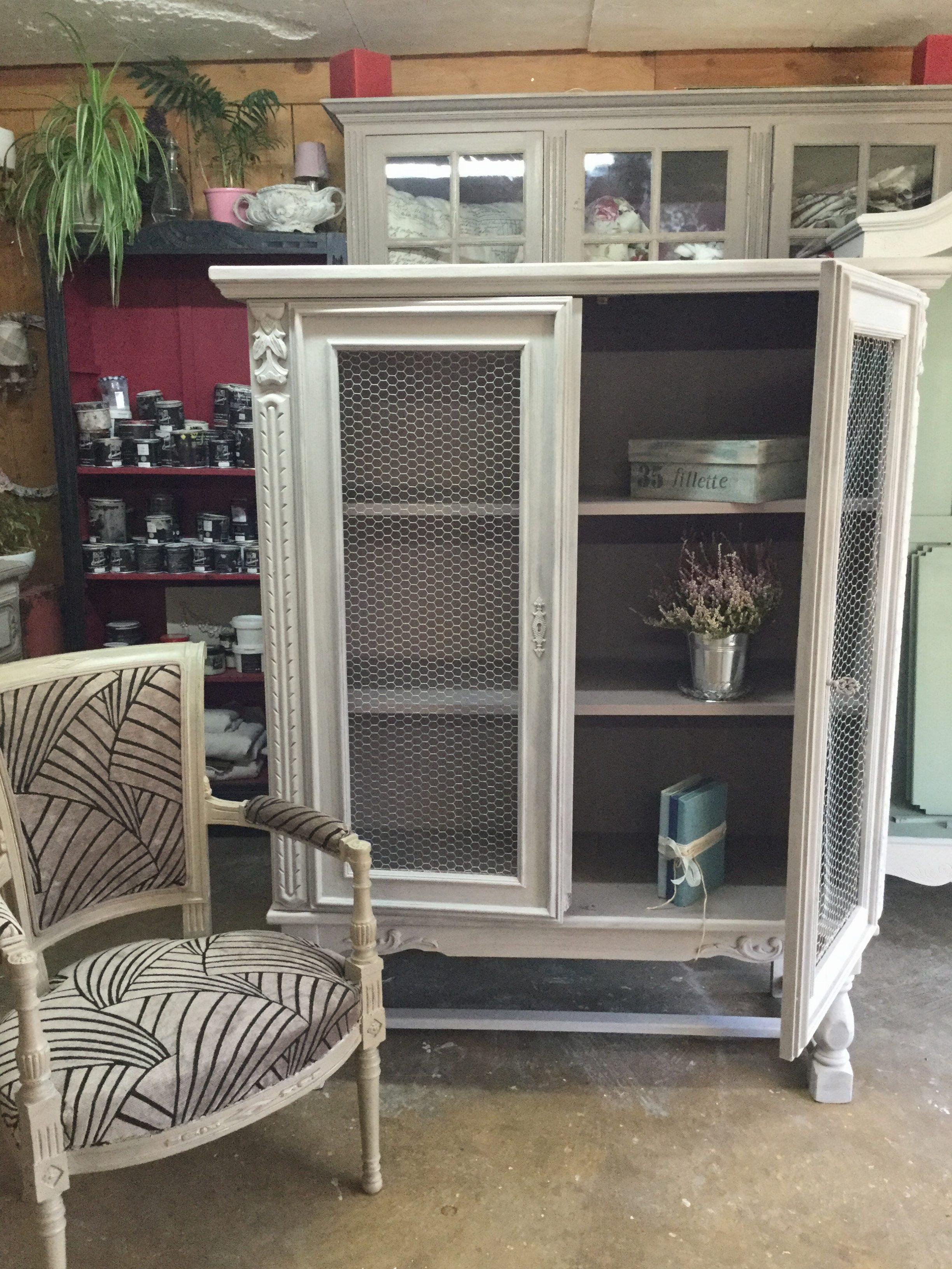meuble avec grillage poule xy25 montrealeast. Black Bedroom Furniture Sets. Home Design Ideas