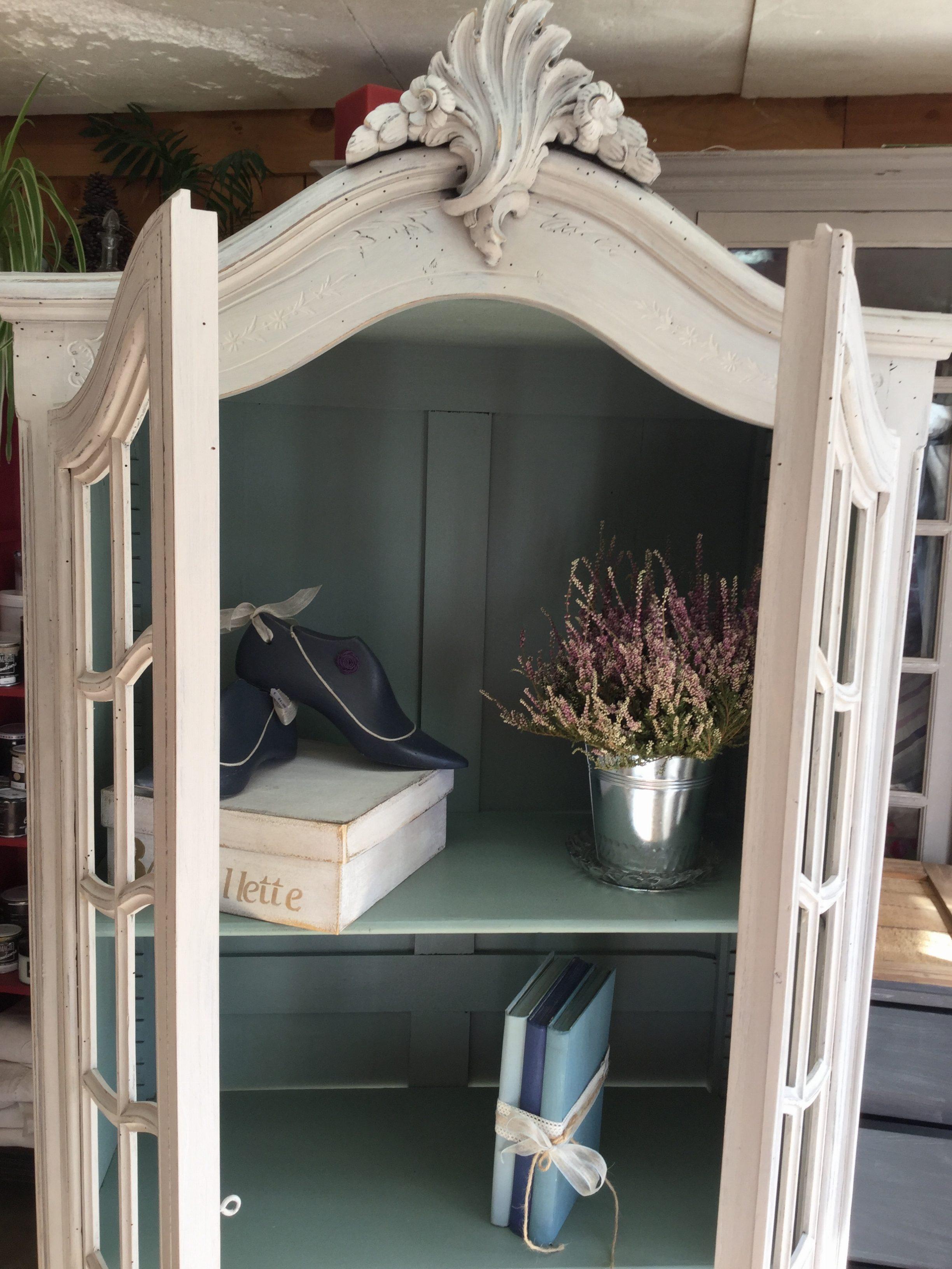 rose le gac. Black Bedroom Furniture Sets. Home Design Ideas