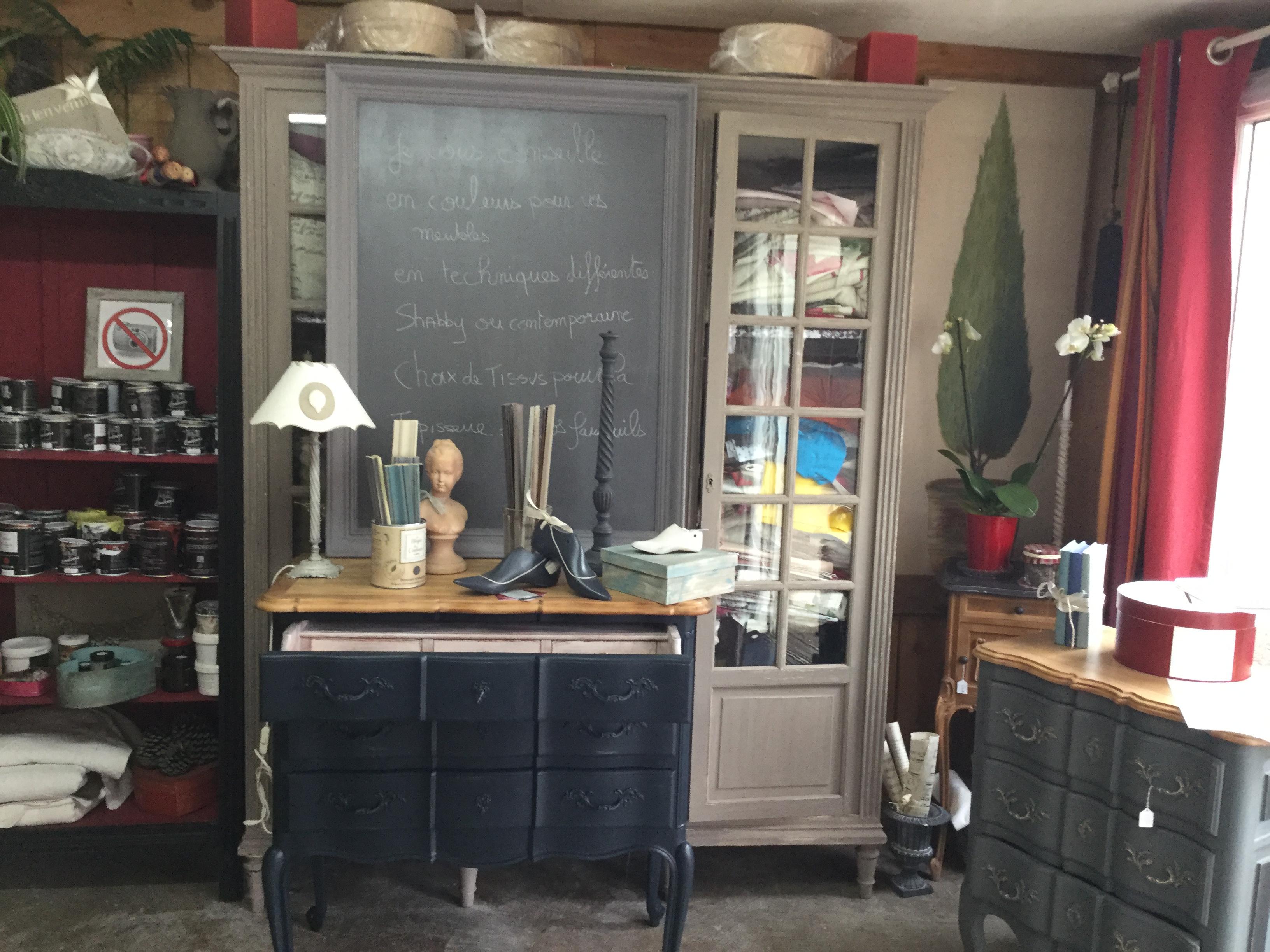 Patines de meubles ou meuble peint ,esprit campagne chic ,Deco chic ...